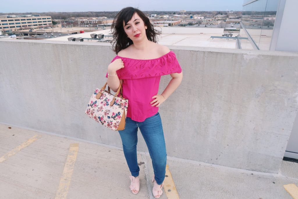 pink outfit + jeans - a day in the city