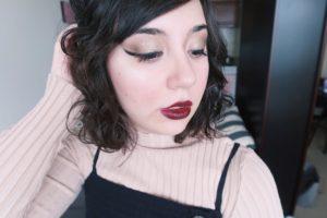 Wearing Urban Decay Eyeshadow for Autumn Look.