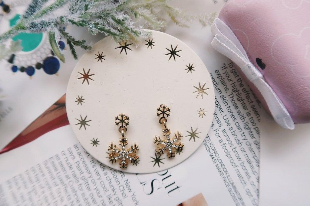 Francesca's Jewelry: Snowflake Earrings