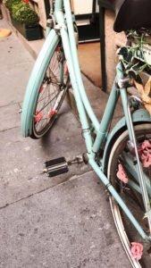 A vintage mint bike.