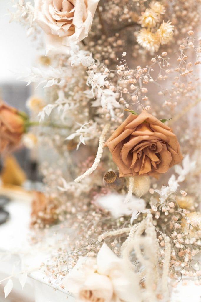 Cozy Games Aesthetic - Pretty Fall Flowers